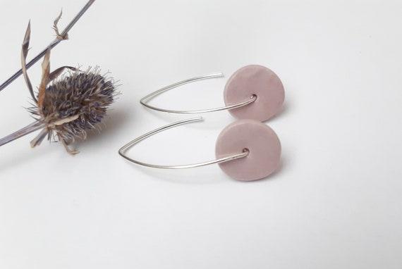 Long earring: round slice pastel purple