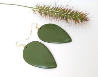 Adverse drop tear long green gold porcelain ceramic earring