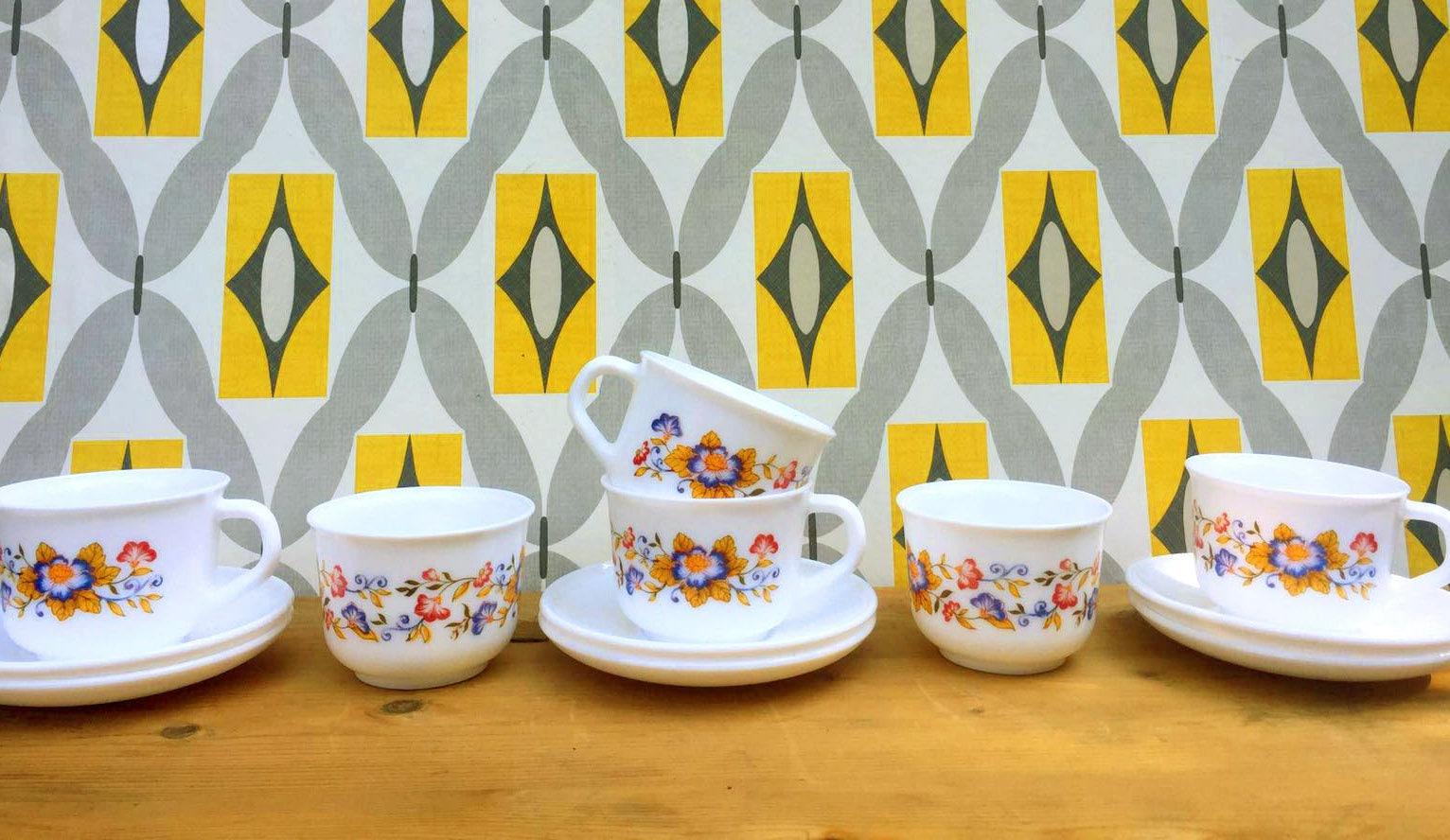 Superbe Arcopal Tea Set . Arcopal France . Vintage Kitchenware . Retro | Etsy