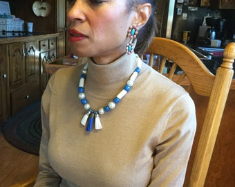 Cobal blue necklace with white beads from Ghana and Swarovski pearls