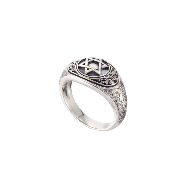Mens ring in sterling silver with Star of David