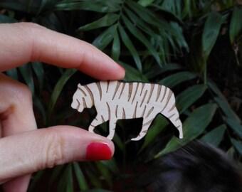 Tiger brooch wood. Wild style