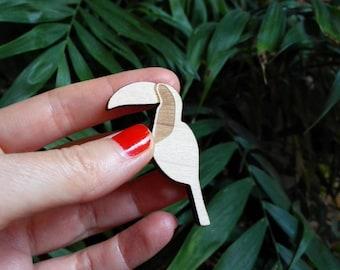 Tucan brooch wood. Bird lovers pin