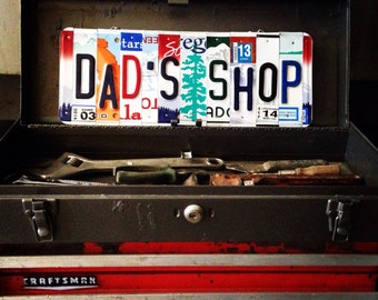 License plate art. Dad. Fathers day. License plate sign. Art. Custom sign. Daddy. Father. For him. Gift idea. Garage. Shop. Wall hanging. De