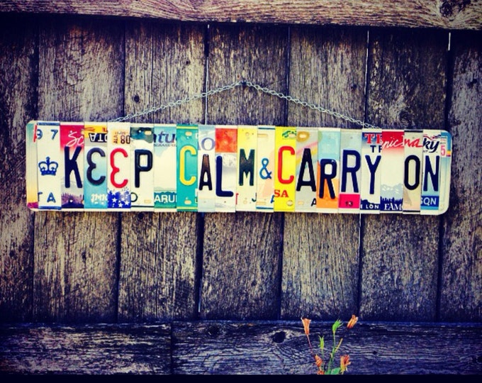 Keep calm & carry on. Keepcalm. Licenseplate. Sign. Christmas. Giftidea. Upcycled. Crown. Wallhanging. Quote. Bedroom