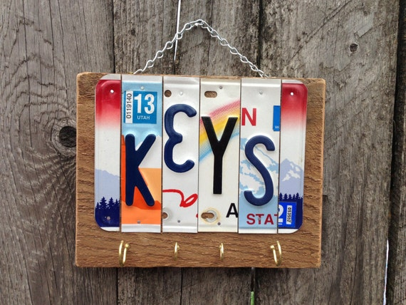 KEY RING HOLDER. Keys. Wall Key Holder. Entry Way Organizer. Housewarming Gift. Gift Idea for Dad