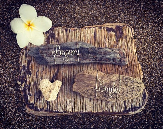 Beach Wedding Bride and Groom Wire Driftwood Table Settings, Wedding Table Decor, Personalized Wire Name, Beach Themed Wedding, Driftwood