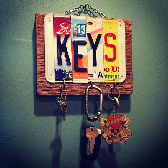 License Plate Wood Key Holder. Key Hook. Home Decor. Key holder for wall. Garage Key Holder. Fathers Day Gift. House Warming Gift.