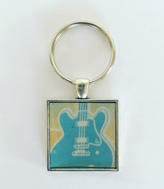 Guitar Keychain, Keychain for Men Him Boyfriend Husband, License Plate Keychain, Mississippi Keychain, Gift for Guitarist, Guitar Gifts.