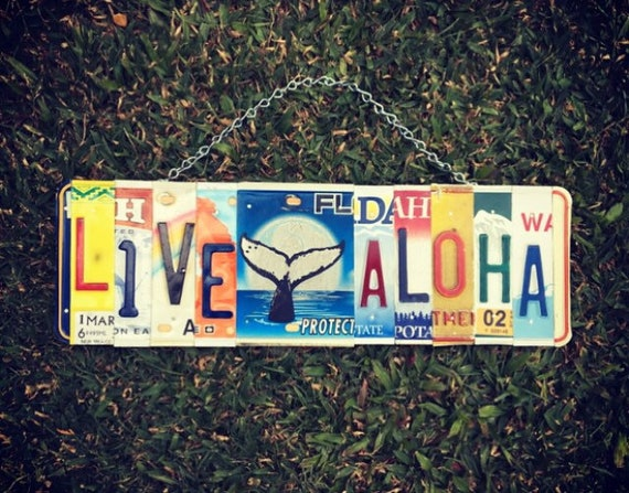 Live Aloha Sign, Whale Art, Whale Decor, Beach Decor, Beach House Gift, Hawaiian Gifts, License Plate Art, Aloha Sign