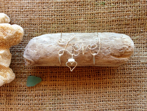 Driftwood Art, Gift for Mom, Beach Gift, Beach Birthday, Wire Name, Love Art, Puka Shell, Heart Gift