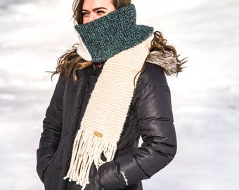 The SARAH - Chunky Knit Scarf//Tassle Scarf//Two Tone Scarf//Long Wrap Scarf//Adult Scarf//Multi-Colored Scarf//Winter Scarf