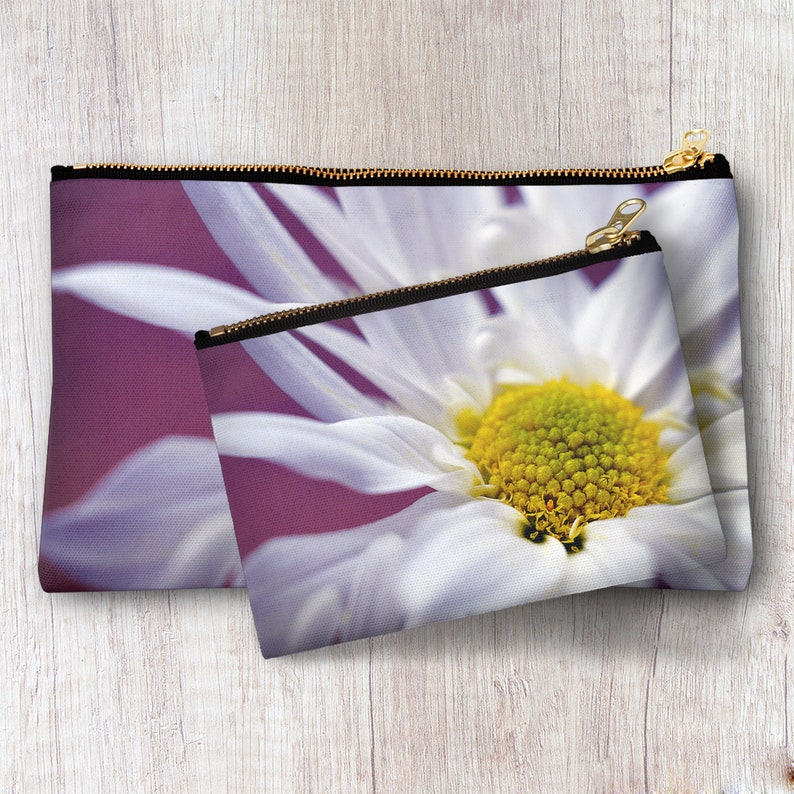 15546ae191d2 Daisy Flower Zipper Pouch Travel Toiletry Bag Cosmetic Accessories Storage  Makeup Organizer Clutch Personalized Bridesmaid Best Friend gift
