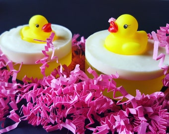 Handmade Children's Aloe Vera Soap   With Baby Powder Fragrance And A Cute Little Rubber Ducky To Play With