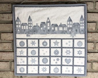 Elegant Quilted Advent Calendar with Optional Advent Tokens, Grey & Silver Advent Wallhanging Quilt, Christmas Perpetual Countdown Calendar