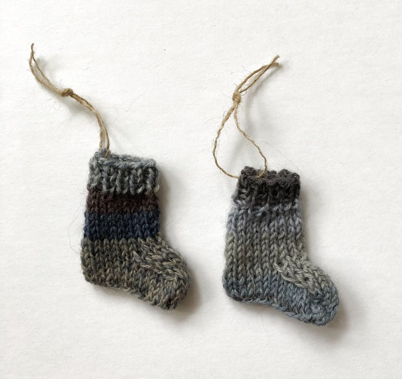 Christmas Tree Garland Mitten Christmas Ornament Knitted Mini Sock Garland Hand Knit Stockings on a String Grey Miniature Sock Bunting