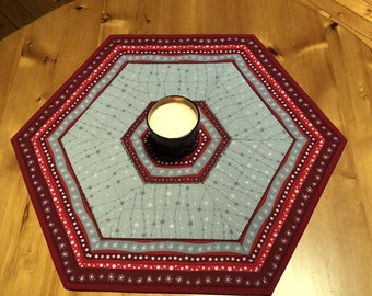"""Gray and Red Table Topper, Reversible Quilted Hexagonal Table Topper, Large 25"""" (63.5 cm) Star Table Center, Holiday Decor"""