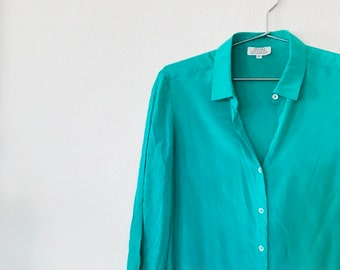 cfb21e8f995a2 Vintage Kelly Green Silk Blouse
