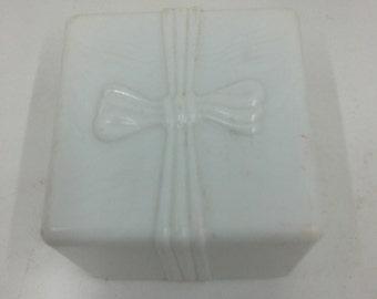 Vintage SUC Rocket Celluloid RING BOX Domed Design proposal engagement presentation gift wedding black velvet /& creamy white silk