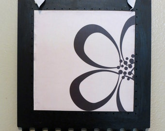 Black and White Flower Wall Decor & Jewelry Holder