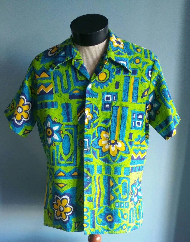 cd988aabf21f7 1960s mens Hawaiian shirt by Towncraft JCPenney.