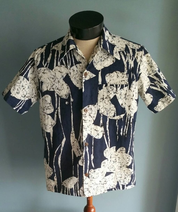 Vintage blue Hawaiian shirt by Catalina.