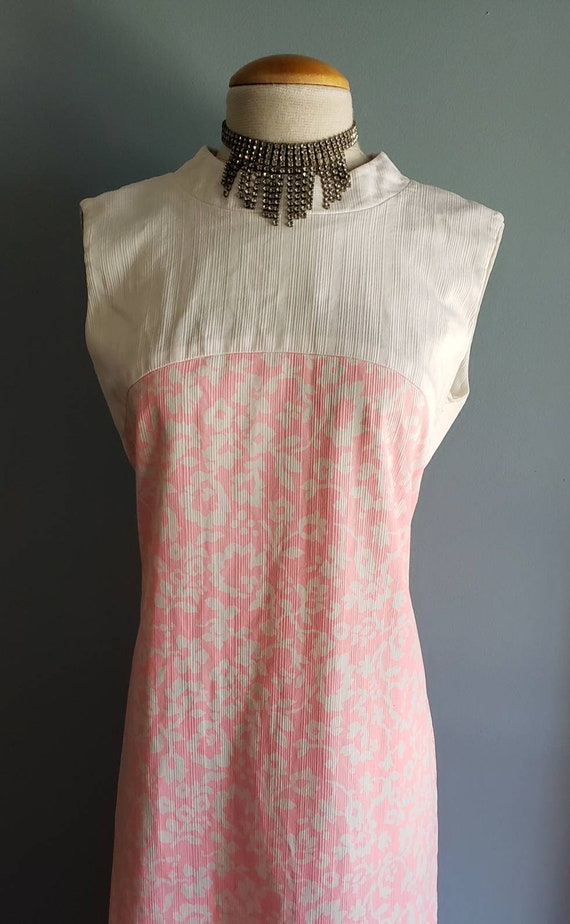 Vintage pink maxi dress by Polynesian Casuals. Haw