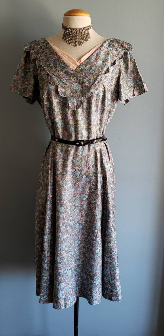 Plus size 1950s painterly floral party/sunday dres