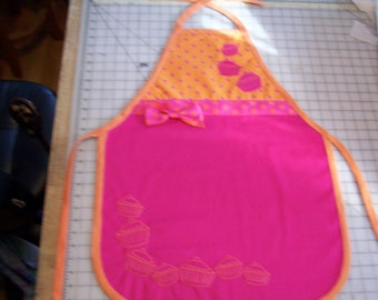 Apron Sewing Pattern for Adults, Toddlers, Child 1 or 2 Piece with Ribbon & Large Applique Cupcake or Embelish with your Embroidery designs