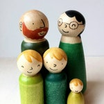 Peg Doll Family Modern Greens wooden peg people - Waldorf Toys for Kids - Diverse Families - Imaginative Play, Multicultural people