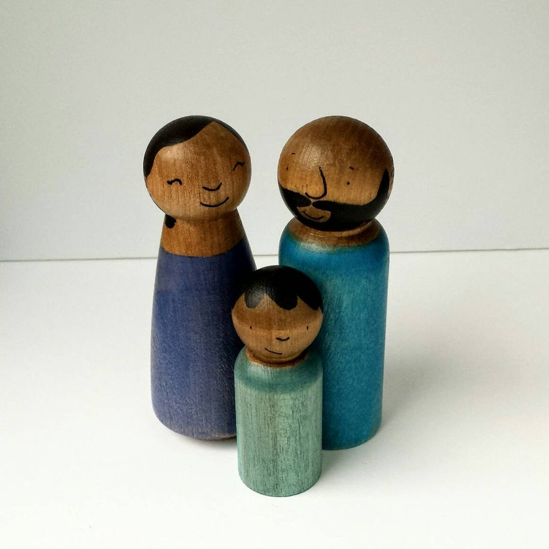 Diverse Family portrait doll for imaginative play Modern Multicultural people Doll House Toys for Kids Customized Wood Doll Family