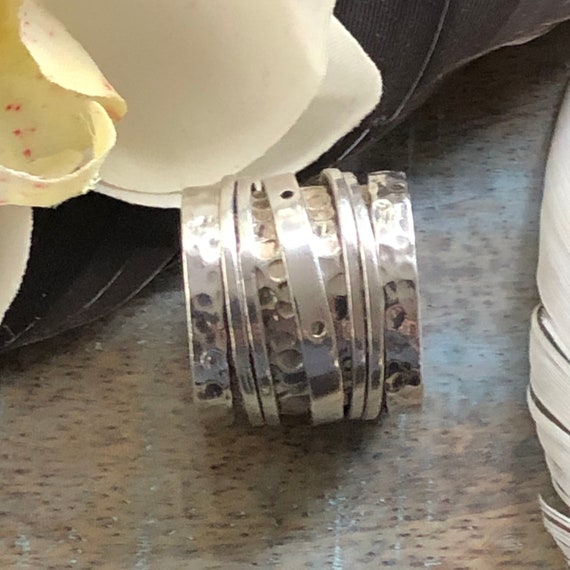 Beautiful handmade hammered sterling spinner ring size 7