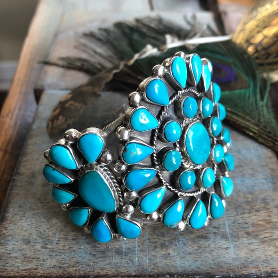 Beautiful vintage Navajo cluster Turquoise Sterling cuff