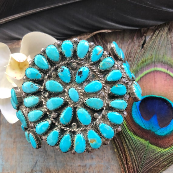 Exquisite Vintage Navajo petit point cluster cuff Kingman turquoise