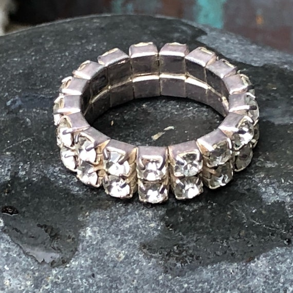 Crystal rhinestone eternity band ring stretchy size 6.5 - 8