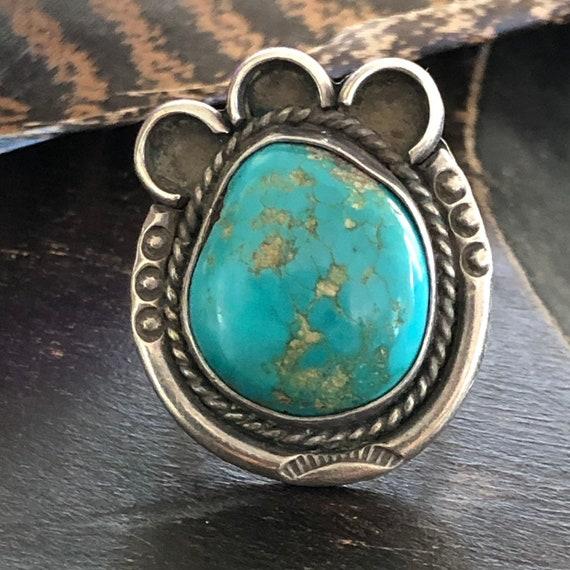 Vintage bear paw/horseshoe turquoise sterling ring size 7