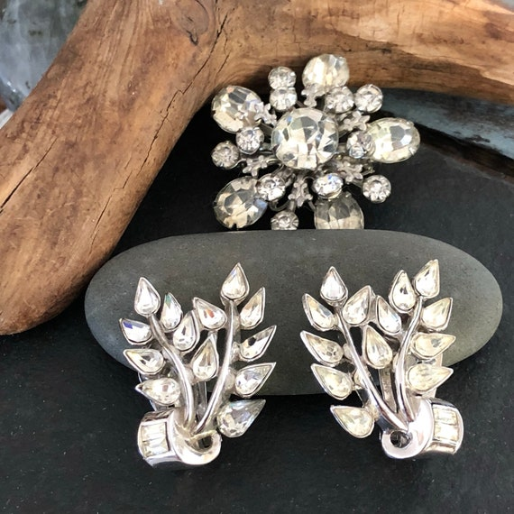 Vintage crystal rhinestone clip on earrings from the 1960's