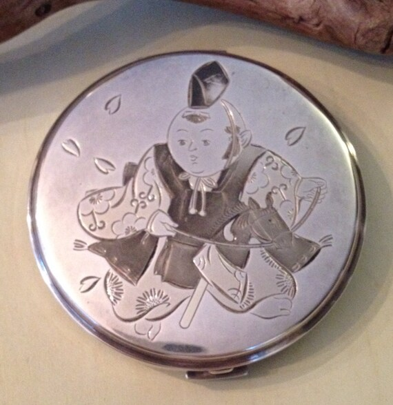 Vintage fine silver compact