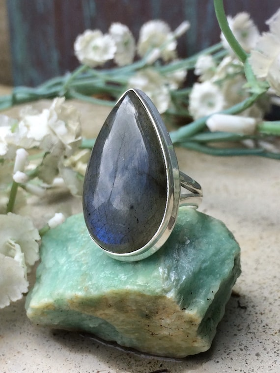 Sterling and labradorite statement healing ring size 6.5 - 7