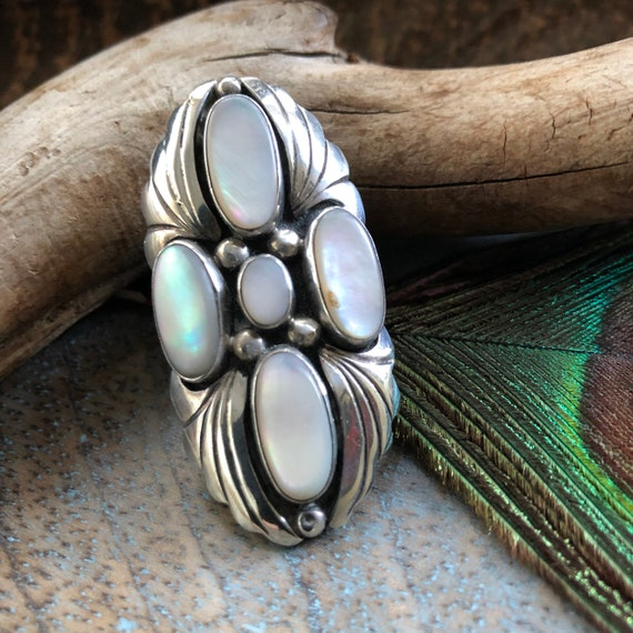 Vintage Navajo sterling mother of pearl ring size 6.5