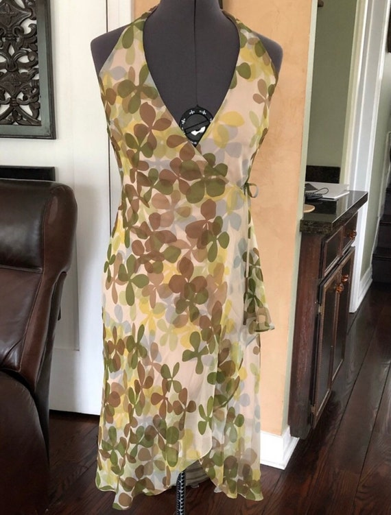 Gorgeous vintage BCBG wrap dress silk size 0