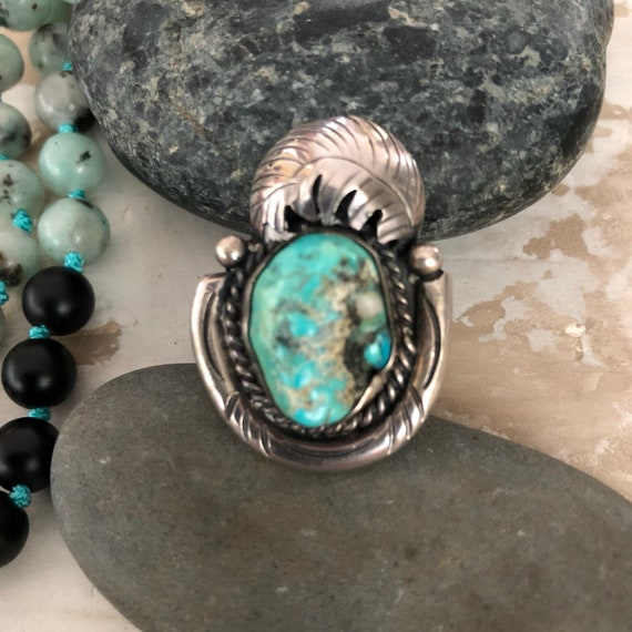 Vintage Navajo Sterling and natural turquoise horse shoe and feather ring Size 6.5