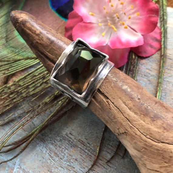 Gorgeous sterling smokey quartz statement ring size 6.25