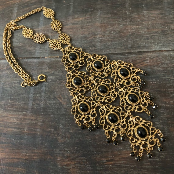 Beautiful vintage Art Deco brass and blk crystal carbochons bib necklace