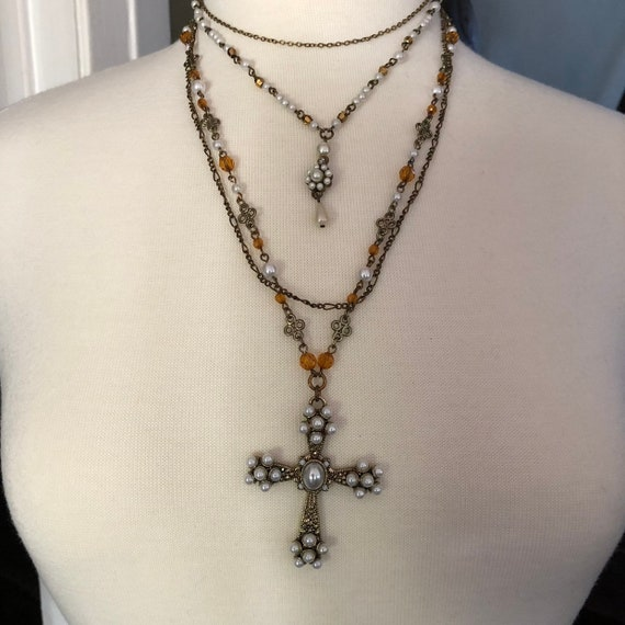 Vintage faux pearl and brass beaded triple chain layered necklace