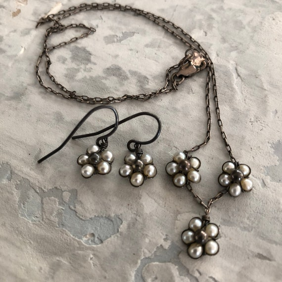 Handmade sterling and pearl beaded petit earring and necklace set