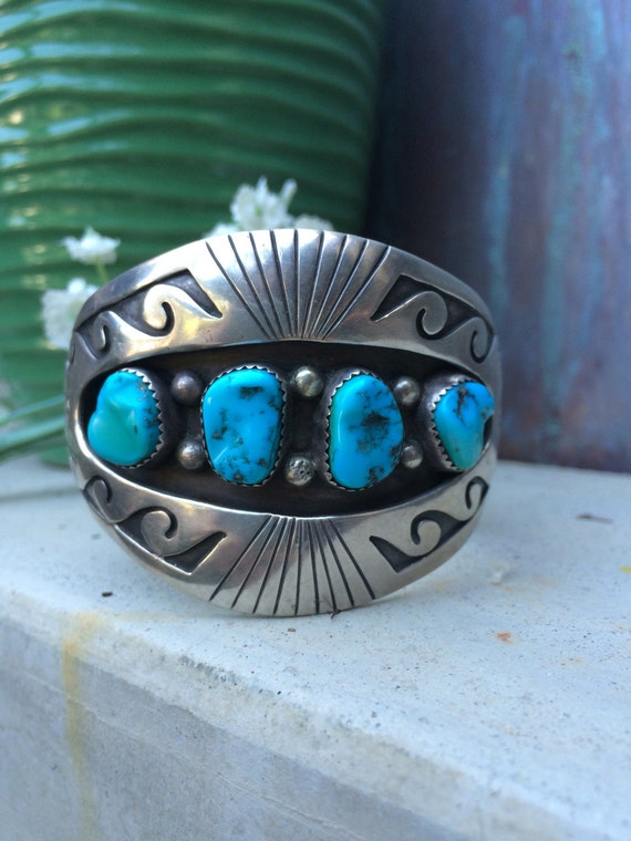 Beautiful vintage Navajo unisex sterling and kingman turquoise cuff