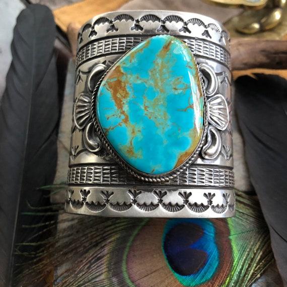 Beautiful handmade Navajo cuff medium to large wrist