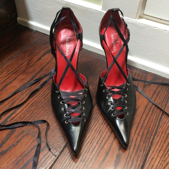 Vintage lace up leather Luichiny pumps