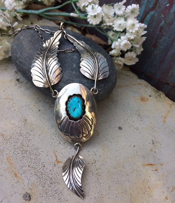 Beautiful vintage Navajo feather pendant necklace sterling and kingman turquoise